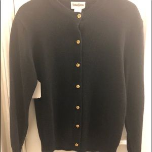 Neumann Marcus 100% cashmere sweater